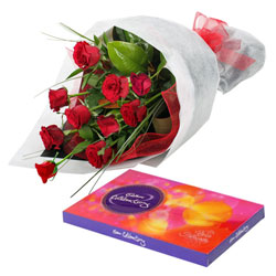 Delightful Cluster of Roses and Chocolates