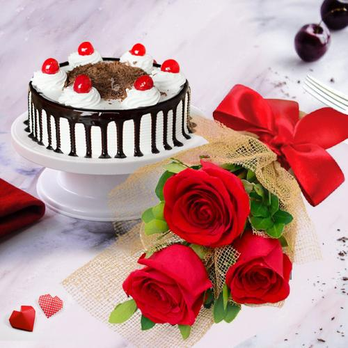 Stunning 3 Red Roses with 1/2 Kg Black Forest Cake
