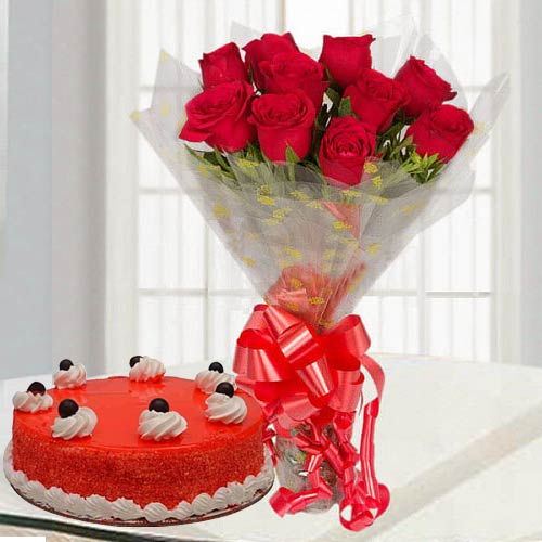 Captivating Red Roses Bouquet with Yummy Red Velvet Cake