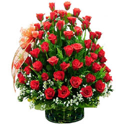 Precious Assemble of�Premium Red Coloured Roses in a Basket