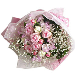 Blushing White N Pink Roses Bouquet enhanced with Filler Flowers