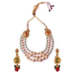 Dazzling Pearl Necklace Set for Weddings
