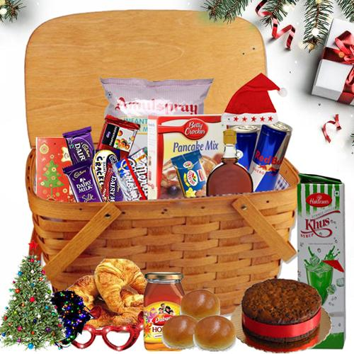 Enthralling Christmas Hamper with Enchanting Merriment
