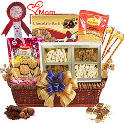 Enticing Pamper Basket of Assortments Gift