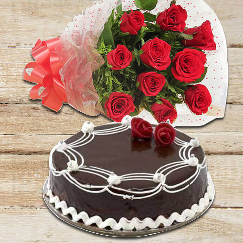Online Deliver Red Roses Bouquet N Chocolate Cake