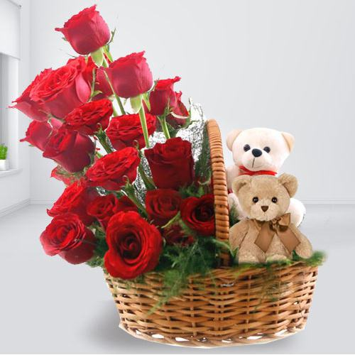 Send Gift Arrangement of Twin Teddy with Red Roses Online