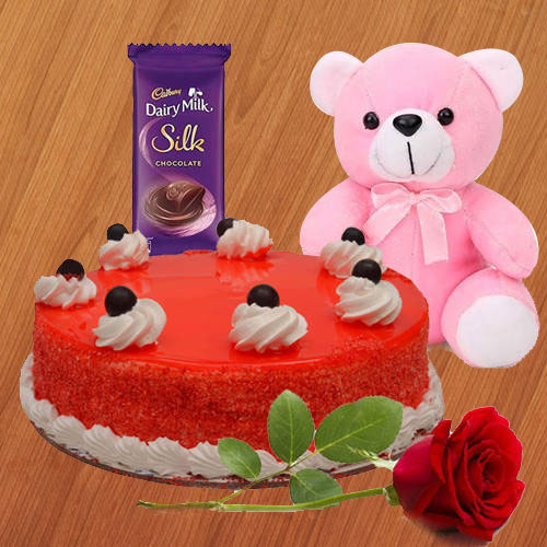 Exclusive Gift Hamper for Valentines Day Celebration