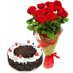 Shop Online Black Forest Cake with Red Roses Bouquet