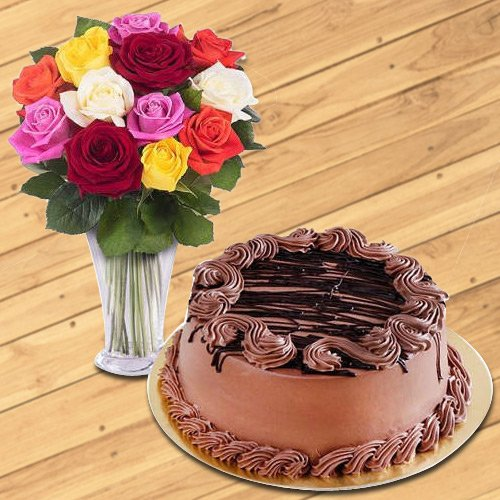 Deliver Mixed Roses in Glass Vase with Chocolate Cake Online