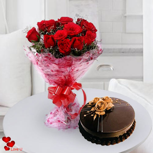Book Bouquet of Red Roses N Cake for Rose Day
