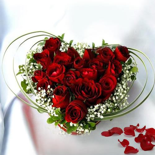 Gift Online Heart Shaped Red Roses Bouquet
