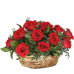 Order Arrangement of Red Roses Online