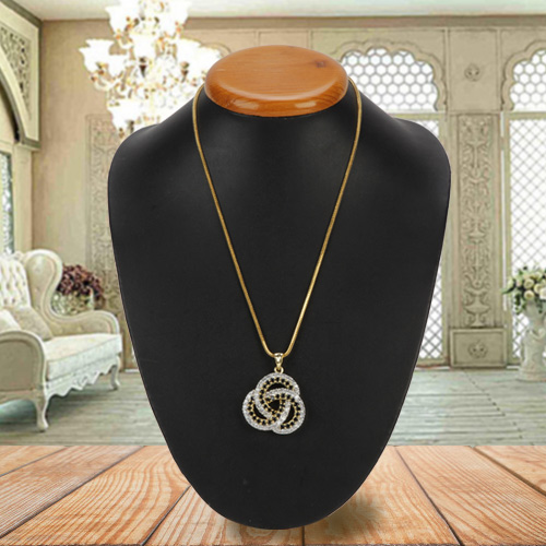 Emotion-Revered Chiaroscuro Diamond Pendant with Chain