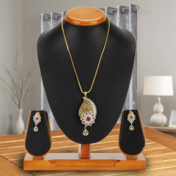 Flowing Dazzle Pendent and Earrings Set