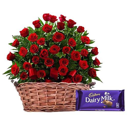 <u><font color=#008000> MidNight Delivery : </FONT></u>:51 Exclusive <font color =#FF0000> Dutch Red </font>   Roses  Arrangement with Cadburys Chocolate