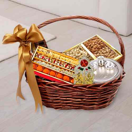Remarkable Divinity Gift Hamper Basket