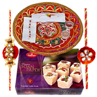 Impressionable Rakhi Gift for Celebration